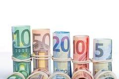 Las cuentas euro usadas más por los europeos son las de 5 10 20 50 Fotografía de archivo libre de regalías