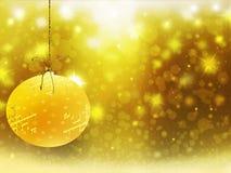 Las decoraciones de las estrellas de la nieve de la bola del amarillo del oro de la Navidad del fondo empañan Año Nuevo del ejemp Fotografía de archivo