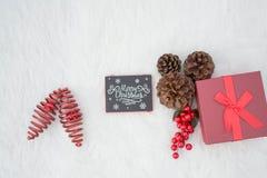 Las decoraciones de la Navidad blanca traen la visión más dulce para las decoraciones caseras Fotografía de archivo libre de regalías