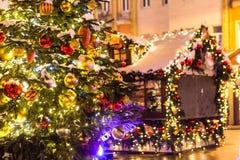 Las decoraciones de la Navidad de la ciudad en Tverskaya ajustan Imágenes de archivo libres de regalías