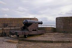 Las defensas del castillo de Carrickfergus Foto de archivo libre de regalías