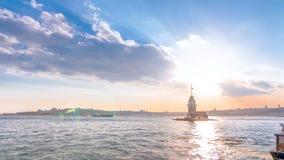 Las doncellas se elevan antes de timelapse de la puesta del sol en Estambul, pavo, torre del kulesi del kiz metrajes