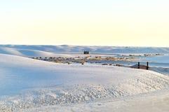 Las dunas blancas en blanco enarenan el monumento nacional en los E.E.U.U. Imágenes de archivo libres de regalías