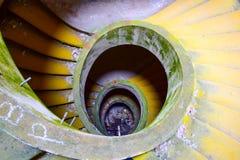 Las escaleras abandonaron el hotel Azores imagen de archivo libre de regalías
