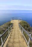 Las escaleras al océano pasan por alto Imágenes de archivo libres de regalías