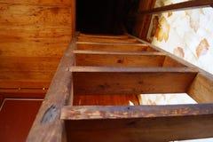 Las escaleras a la segunda planta Fotos de archivo