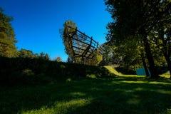 Las esculturas austríacas parquean - el aus de Arche lebenden Bäumen fotografía de archivo