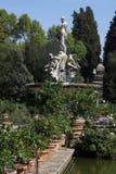 Las estatuas de mármol en el Boboli cultivan un huerto en Florencia Imágenes de archivo libres de regalías