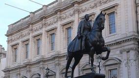 Las estatuas en Londres Whitehall almacen de video