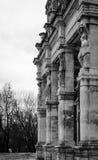 Las estatuas en los pilares Foto de archivo libre de regalías