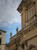 Las estatuas viejas de Dubrovnik imágenes de archivo libres de regalías