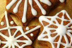 Las estrellas del pan de jengibre se cierran para arriba Fotos de archivo