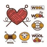 Las etiquetas o el logotipo de las lanas para la materia textil natural de 100 del por ciento puro lanas de las ovejas marca con  Fotos de archivo