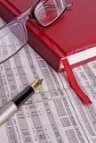 Las finanzas del diario imagen de archivo