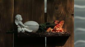 Las flores anaranjadas del crisantemo se cierran para arriba almacen de metraje de vídeo