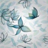 Las flores azules tienen gusto de mariposas Foto de archivo libre de regalías