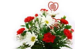 Las flores del día de tarjetas del día de San Valentín se cierran para arriba imagen de archivo libre de regalías