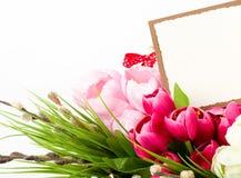 Las flores del resorte con la bandera agregan Imagen de archivo libre de regalías