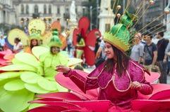 Las flores gigantes, festival internacional del teatro de la calle del B-ajuste, Imagen de archivo