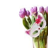 Las flores y la máscara fotos de archivo