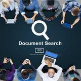 Las formas del hallazgo de la búsqueda del documento examinan concepto de las letras Imagen de archivo libre de regalías