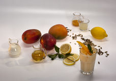 Ingredientes para los cócteles sin alcohol fotografía de archivo