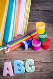Las fuentes de escuela etiquetaron ABC Fotos de archivo libres de regalías