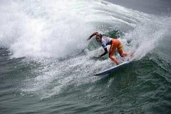 Las furgonetas los E.E.U.U. se abren de la competencia que practica surf Imágenes de archivo libres de regalías