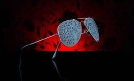 Las gafas de sol de Cool del aviador riegan la reflexión del verano del sol del movimiento de la acción del chapoteo Fotografía de archivo