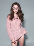 Las gafas de sol de la máscara de la mujer de la moda diseñan el retrato decorativo Imagenes de archivo