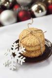 Las galletas hechas en casa de la avena cocieron por días de fiesta de los Años Nuevos Imágenes de archivo libres de regalías