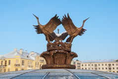 Las grúas esculpen en Minsk Imagen de archivo libre de regalías