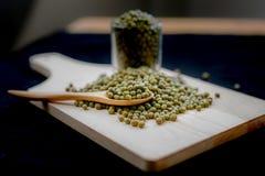 Las habas verdes son ricas en la vitamina B1 Imagenes de archivo