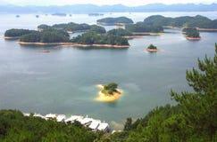Las hermosas vistas del lago del qiandao Imagen de archivo libre de regalías