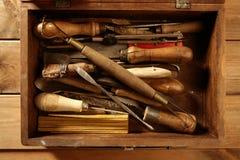 Las herramientas de la mano de Srtist para handcraft trabajos Foto de archivo libre de regalías