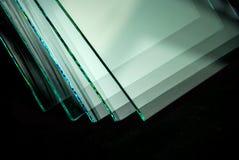 Las hojas de la fabricación de la fábrica moderaron los paneles claros del vidrio de flotador cortados a la medida imagen de archivo
