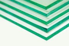 Las hojas de la fabricación de la fábrica moderaron los paneles claros del vidrio de flotador cortados a la medida imagen de archivo libre de regalías