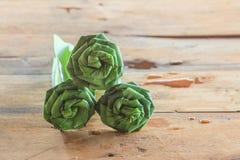 Las hojas doblaron en una rosa para Buda Fotos de archivo