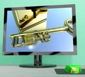 Las ideas cierran en la pantalla de ordenador que muestra creatividad Foto de archivo libre de regalías