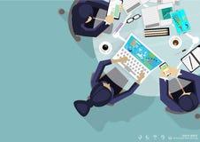 Las ideas para una tarea, ficheros móviles de la reunión de reflexión de la esquina del top del lugar de trabajo del negocio del  Imagen de archivo