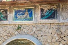 Las ilustraciones y el diseño que aguantan de Herculano Imagen de archivo