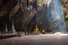 Las imágenes de Buda en Khao Luang excavan, provincia de Phetchaburi, Tailandia Fotografía de archivo