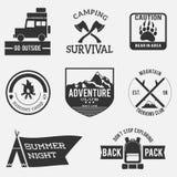 Las insignias de la aventura del vintage fijaron blanco y negro Imágenes de archivo libres de regalías