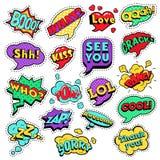 Las insignias de la moda, remiendos, etiquetas engomadas en el estallido Art Comic Speech Bubbles Set con el tono medio punteado  Foto de archivo