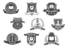 Las insignias de los iconos del vector fijaron para la universidad o la universidad libre illustration