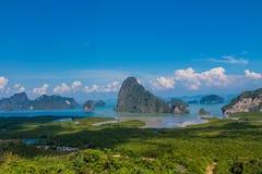 Las islas hermosas en Pha Nga aúllan en Tailandia fotografía de archivo libre de regalías