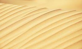 Las líneas de la duna de arena se cierran para arriba Fotografía de archivo