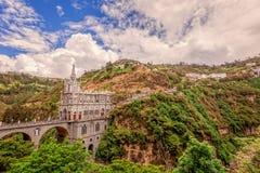 Las Lajas大教堂鸟瞰图在伊皮亚莱斯,哥伦比亚 免版税库存照片