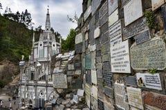 Las Lajas Sanctuary Santuario de Las Lajas的看法在伊皮亚莱斯,哥伦比亚 免版税图库摄影