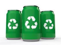 las latas frías de la bebida 3d con reciclan símbolo libre illustration